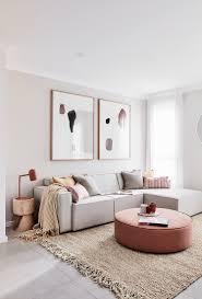 modernes wohnzimmer in hellgrau und buy image
