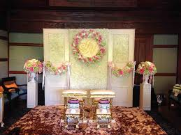 Ceremony Backdrop At The Plaza By Tantawan Bloom Romantic Fall Bedford Village Inn Indoor