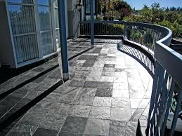 Runnen Floor Decking Uk by Wooden Flooring Ideas And Planters For Patio Or Balcony
