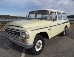 68 International Harvester Travelall ...w/ 304ci V8/4-speed. Very ...
