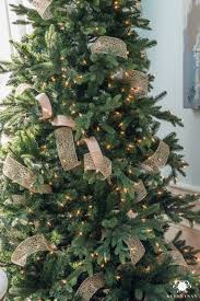 How To Use Several Different Ribbons In A Christmas Tree