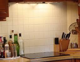peindre du carrelage mural de cuisine revetement carrelage cuisine revtements muraux carreaux de faence