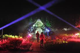 mystische nächte im park der gärten installationen aus