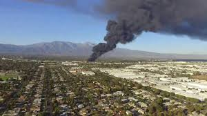 Huge Fire In Ontario California - YouTube