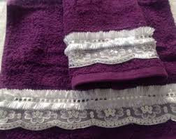 Decorative Hand Towel Sets by Best 25 Purple Hand Towels Ideas On Pinterest Kitchen Towels