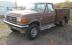 100 Ford F250 Utility Truck 1990 XLT Lariat Utility Truck Item I4208 SOLD