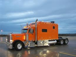 PETERBILT TRUCKS Graphics And Comments