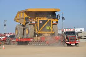100 Cat Mining Trucks Mammoet Transports Fully Assembled 797 To The Alberta Oil Sands