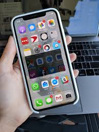 I Tried The iPhone X — And The Killer Feature Is Its Size