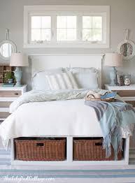 Bedroom Throw Pillow Storage Ideas
