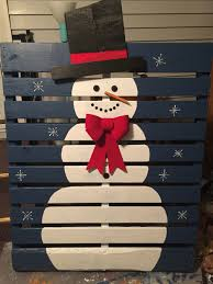 Outdoor Christmas Decorations Ideas To Make by 17 Pallet Projects To Deck Your Halls For Christmas Pallets