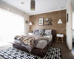 schlafzimmer in erdfarben mit holz bild kaufen
