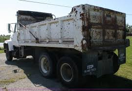 1977 Ford 8000 Dump Truck | Item B6786 | SOLD! June 28 Const...