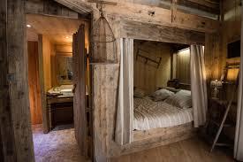 cabane dans la chambre cabane dans les arbres dans les vosges louez la votre avec bol d air