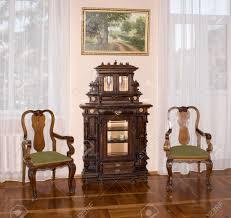 azov russland 29 august alte kommode und stühle ende des 19 jahrhunderts im museum reservieren sie am 29 august 2015 in azov