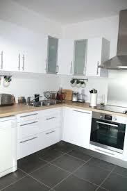 cuisine blanche et plan de travail bois cuisine blanche et bois cethosia me