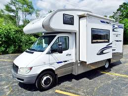 GULF STREAM VISTA CRUISER MINI 4230 CLASS B MOTORHOME DIESEL SLIDEOUT GENERATOR CALL 248 338 2797