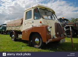 One Ton Truck Stock Photos & One Ton Truck Stock Images - Alamy