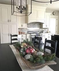 Kitchen Table Decorating Ideas by 25 Unique Christmas Table Centerpieces Ideas On Pinterest Diy
