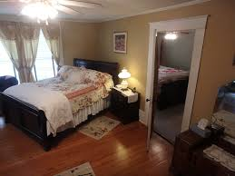 100 Holman House Enjoy The Sudie Suite At The BB Pittsburg