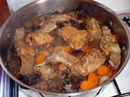 cuisiner du lapin facile recette de lapin au pruneaux et carotte