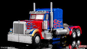 TFW2005's MPM-4 Optimus Prime Gallery | TFW2005 - The 2005 Boards