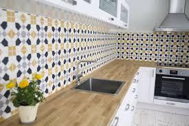 carreaux ciment cuisine design interieur cuisine avec carreaux ciment crédence originale