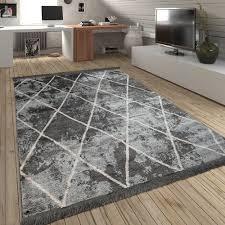 skandi teppich wohnzimmer rauten fransen muster