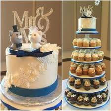 real wedding party photo cats bride and groom wedding cake topper