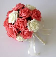 Brilliant White Flower Bouquets for Weddings