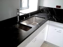 plan de travail cuisine en quartz marbre cuisine plan travail cuisine quartz noir bcle et con
