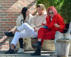 model jordan barrett takes smoke break with gal pals in ny daily