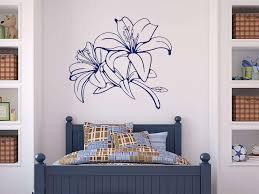 wandtattoo blume schlafzimmer lilie blüte wohnzimmer ranke
