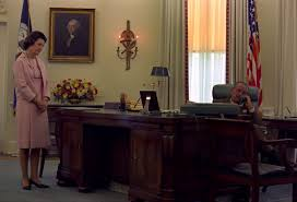 Resolute Desk Replica Plans by Ron Paul In The Oval Office Presidential Desk And A Oval Office Desk E