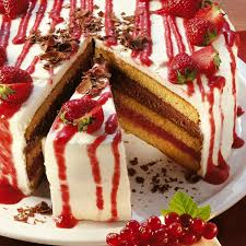 erdbeer sahne torte mit dreierlei teig