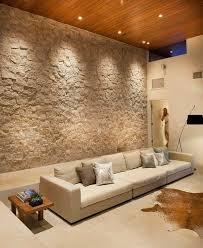 natursteinwand holzdecke wohnzimmer wand gestalten