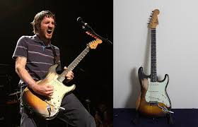 As We Already Know Anthony Kiedis Gave John Frusciante The 62 Fender Sunburst Stratocaster When He Went Back To Red Hot Chili Peppers