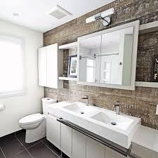 bathroom in lazare mazekia