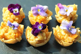 canapes for how to choose the best canapés for your wedding