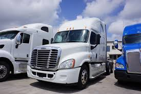 FREIGHTLINER TRUCKS FOR SALE IN MS