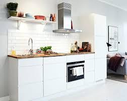 cuisine blanche plan travail bois cuisine blanche et plan de travail bois clair cethosia me
