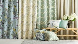 4 möglichkeiten vorhänge im wohnzimmer aufzuhängen decor tips
