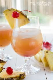 A Maui Island Breeze Cocktail
