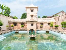 Yogyakarta Half Day Historical Private City Tour Indonesia Water Palace Shutterstock 514980040