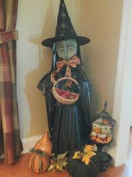 Halloween Witch Yard Stakes by Tomato Cage Milk Jug Witch Tomato Cage Uses Pinterest