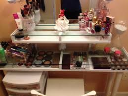 Makeup Desk With Lights vanity with lighted mirror tags bedroom makeup vanity with
