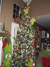 The Grinch Christmas Tree Ornaments by 27 Best Dr Seuss Christmas Images On Pinterest Grinch Christmas