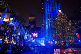 Rockefeller Christmas Tree Lighting Performers by The Rockefeller Center Christmas Tree 2016 Photos Rockefeller