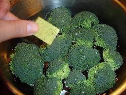 cuisiner le brocolis recette de brocolis à l ail et huile d olive