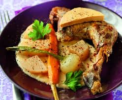 cuisiner pintade mijotée de pintade au foie gras recette de mijotée de pintade au